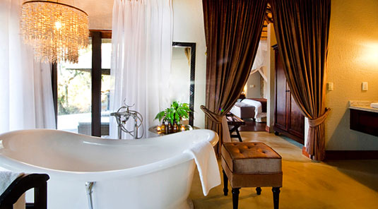 Suite luxury bathroom Dulini Safari Lodge Sabi Sand Game Reserve South Africa Luxury Safari Lodge Bookings